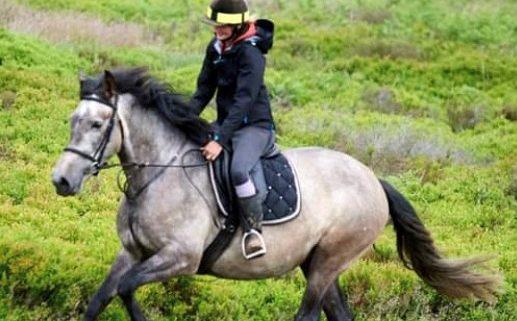 Bethan riding Nymeria